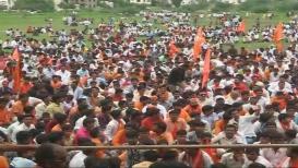 मराठा मोर्चाचं भगव वादळ पुन्हा मुंबईकडे, परळीत ठिय्या आंदोलन