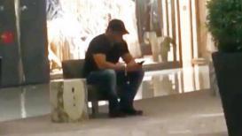 VIDEO : दुबईच्या माॅलमध्ये सलमान एकटाच का बसलाय?