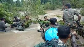 VIDEO : गडचिरोलीत पूरात अडकलेल्या सी-60 कमांडोच्या सुटकेचा थरार
