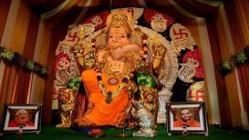 'गणेशोत्सवाचं मॅनेजमेंट' : आठ क्लिंटल सुका मेवा, दोन लाख नारळं, 'जीएसबी'चा श्रीमंत उत्सव!