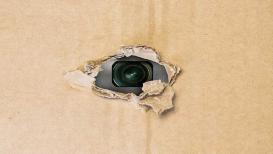 सावधान! हिडन कॅमेरा शोधण्यासाठी जाणून घ्या खास टीप्स