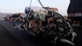 येवला-मनमाड रोडवर भीषण अपघातात ६ जण जागीच ठार