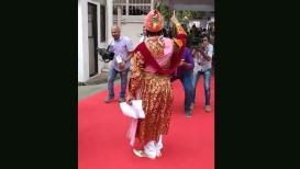 VIDEO : ...आणि विधिमंडळात अवतरले 'शिवाजी महाराज'!