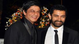 शाहरुख खाननं केली आमिर खानची पाठराखण