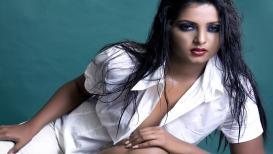 PHOTOS : लेडी रजनीकांत नावानं प्रसिद्ध आहे ही अभिनेत्री