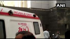 मुंबईत हॉस्पिटलमध्ये आग : रुग्णाला MRI मशिनमधून काढून  वाचवला जीव
