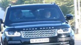 VIDEO : कमी सुरक्षा व्यवस्थेसह पंतप्रधान मोदी आईच्या भेटीला