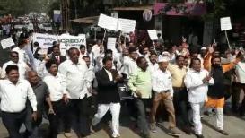 VIDEO : खंडपीठाच्या मागणीसाठी कोल्हापुरातले वकील उतरले रस्त्यावर