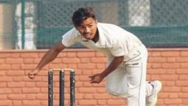 11 धावांत 10 विकेट घेणारा हा गोलंदाज भारताच्या अंडर 19 संघात