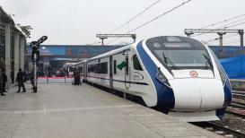 वंदे भारत एक्सप्रेस: पहिल्याच फेरीत हायस्पीड ट्रेनचा ब्रेक फेल