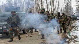 BREAKING: शोपियानमध्ये दहशतवाद्यांकडून लष्कराच्या कॅम्पवर ग्रेनेड हल्ला