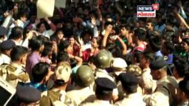 Pulwama attack : संतप्त नागरिकांचा नालासोपारा येथे रेल रोको