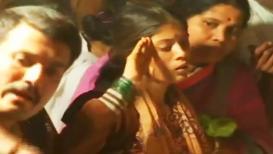 VIDEO : काळजाचं पाणी झालं, जेव्हा वीरपत्नीने बहाद्दुर पतीला केला 'अखेरचा सलाम'