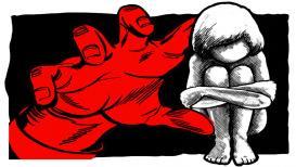 अल्पवयीन मुलीचा बलात्काराला प्रतिकार; नराधमांचा अॅसिड हल्ला
