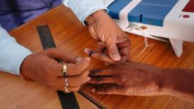 तिसऱ्या टप्प्यातलं मतदान संपलं, दिग्गजांचं भवितव्य EVM मध्ये बंद