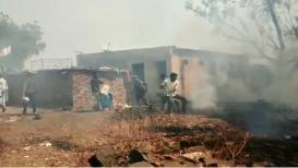 मानोऱ्यात भीषण आगीत नऊ घरे भस्मसात, अनेकांचा संसार उघड्यावर