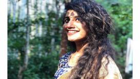 साडीतही तेवढीच हॉट दिसते प्रिया प्रकाश वॉरियर, सोशल मीडियावर PHOTO VIRAL