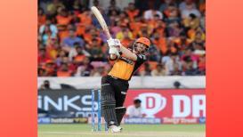 IPL 2019 : डेव्हिड वॉर्नर नाम तो सुनाही होगा...पण त्याचा हा विक्रम पाहिलात का?