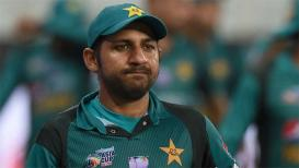 World Cup : पाकिस्तानचा कर्णधार विराटसेनेला घाबरला, सामन्याआधीच पराभवाची भीती