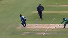 VIDEO : इंग्लंडच्या 'या' खेळाडूची चपळता पाहून धोनीही चक्रावेल, 360 डिग्रीत फिरून केलं धावबाद