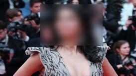 'या' अभिनेत्रीकडे नाहीत कपडे, जुना ड्रेस परिधान करून उतरली रेड कार्पेटवर