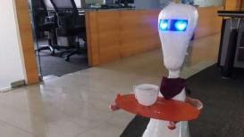 भारताच्या 'या' शहरातल्या हॉटेलमध्ये वेटरऐवजी चक्क रोबो सर्व्ह करणार