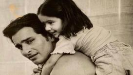 सारा अली खानच्या बालपणीचा 'हा' व्हिडिओ तुम्ही पाहिलात का?