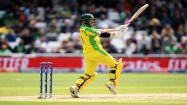 world cup : AUS vs BAN : वॉर्नरचे दीडशतक, पावसामुळे 49 षटकानंतर खेळ थांबला