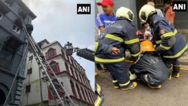 मुंबईत हॉटेल ताजजवळ इमारतीला आग; एकाचा मृत्यू तर 9 जणांना वाचवण्यात यश!