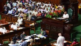 कर्नाटकचा फैसला आज होणारच; बहुमत सिद्ध करण्यासाठी राज्यपालांनी दिली दीडची वेळ!